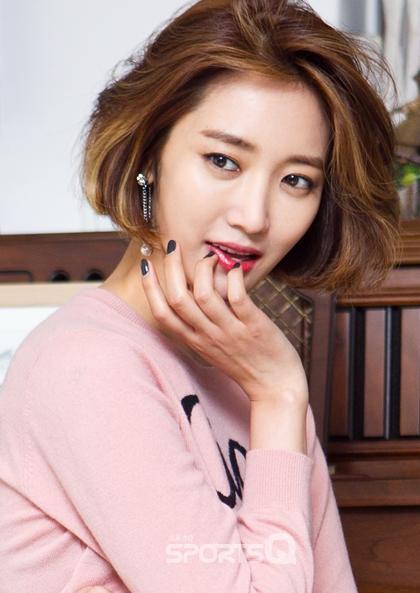 Korean actress Go Jun Hee's trending short hair, Korean hairstyle