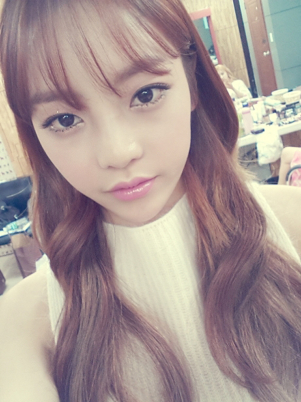 korean kpop idol girl group kara goo hara gu hara see through wispy bang look see through bangs for women hairstyles
