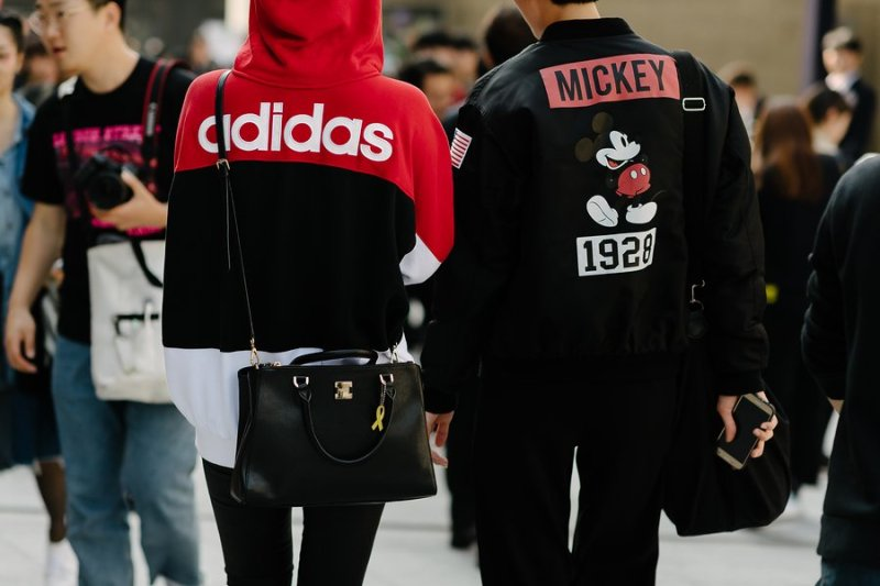 kpop idols korean models fall seoul fashion week street fashion casual sporty couple look for guys girls women men kpopstuff