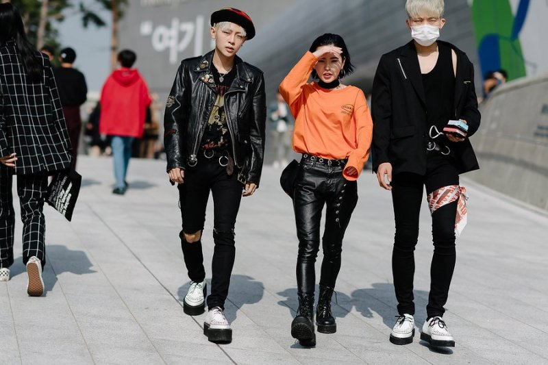 kpop idol korean models fall seoul fashion week street style casual for girls guys unisex kpopstuff