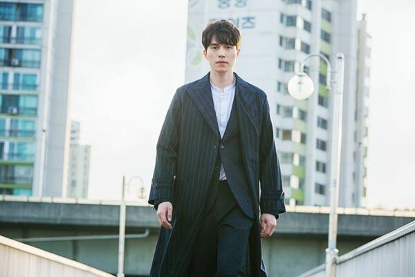 Korean drama goblin actor lee dong wook's goblin hairstyle curly permed wavy hair hairstyles for guys kpop kpopstuff