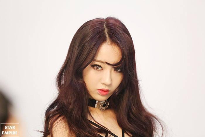 kpop girl group nine muses member kpop idol kyungri comma hair for girls korean asian kpopstuff styling bangs kpopstuff