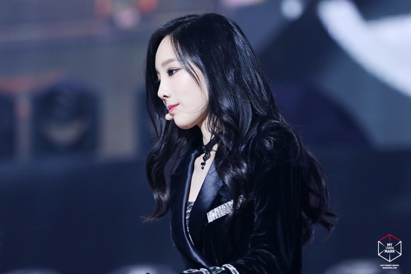 korean girl group kpop idol taeyeon of girls generation snsd black hair color hairstyles for girls kpopstuff