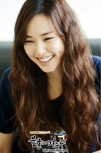 korea korean drama kdrama miss korea actress honey lee long loose waves boho hippie hairstyles for girls kpopstuff