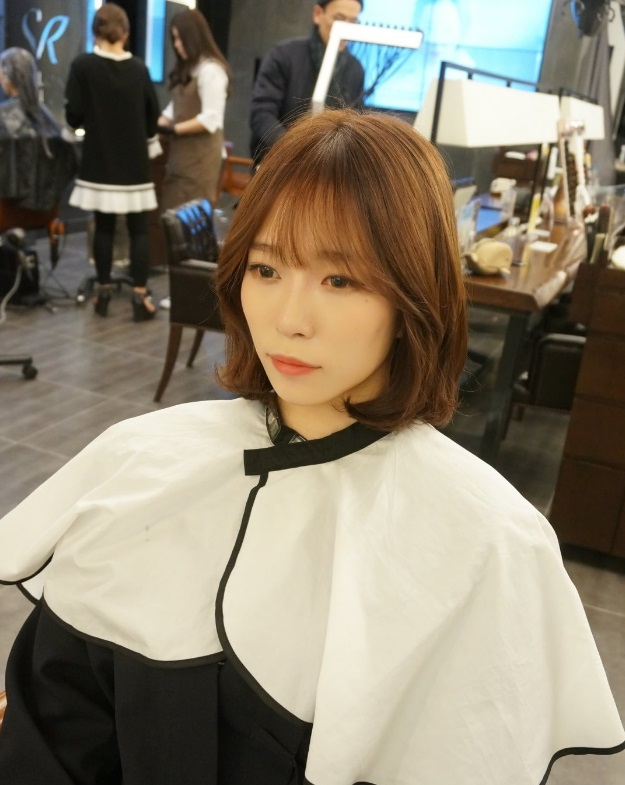 Hot Style Short C Curl Perm With See Through Bangs Kpop Korean