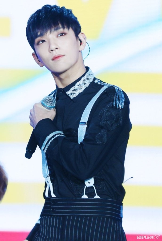 korea korean kpop idol boy band group seventeen's suspenders fashion joshua black dress pants suit suspender look outfit styles for guys kpopstuff