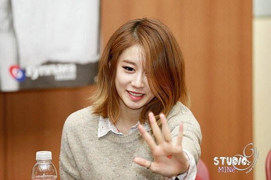 korea korean kpop idol girl group band tara t-ara jiyeon's lob hairstyle layered natural messy bob haircut hairstyles for girls kpopstuff