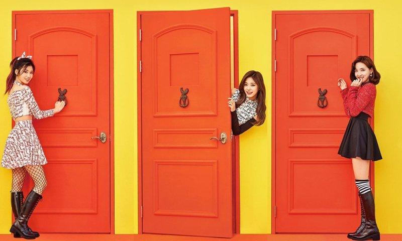 korea korean kpop idol girl group band twice's knock knock fashion sana momo nayeon teaser schoolgirl punk fashion outfit styles for girls kpopstuff