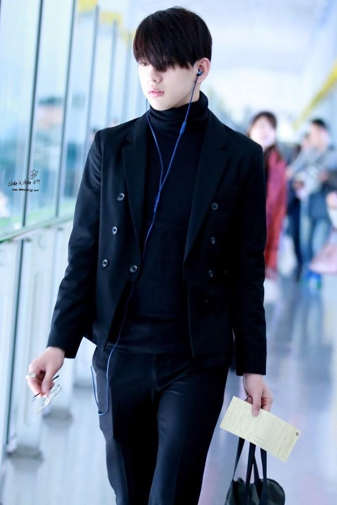 korea korean kpop idol kdrama actor got7 jinyoung's classy fashion dress pants turtlekneck jacket style outfit for guys kpopstuff