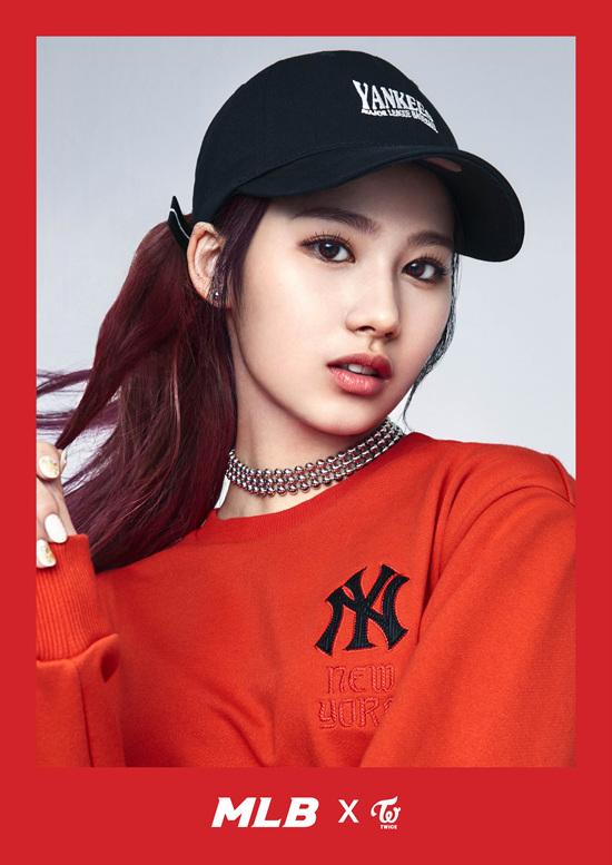 korea korean kpop idol girl group band twice's sporty looks sana black yankees mlb baseball cap red black outfit style fashion streetwear hip hop for girls kpopstu