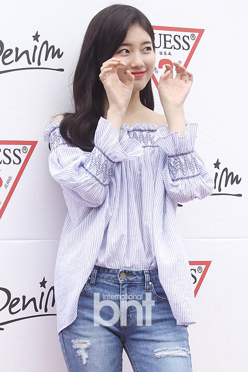 korea korean kpop idol girl group band miss a suzy's spring outfit for guess sig off the shoulder distressed denim casual fashion style girls women kpopstuff