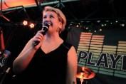 Stinne on lead vocals