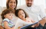 Како да го научите детето да го засака читањето книги?