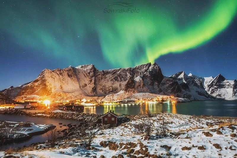 Góry zorza polarna kup zdjęcie