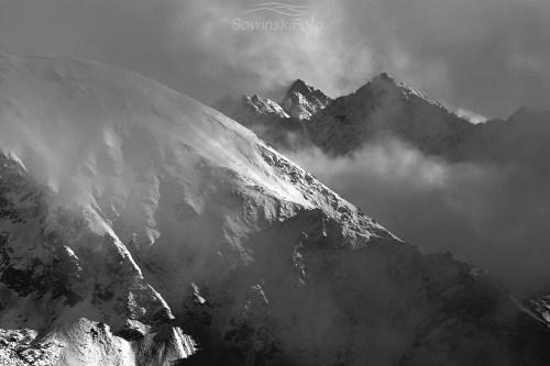 Tatry zimą zdjęcie czarno białe