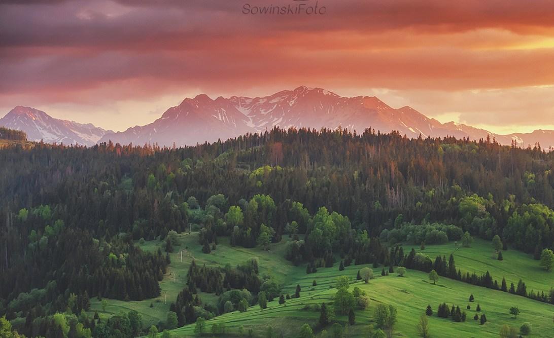Szczyty Tatr zachód słońca