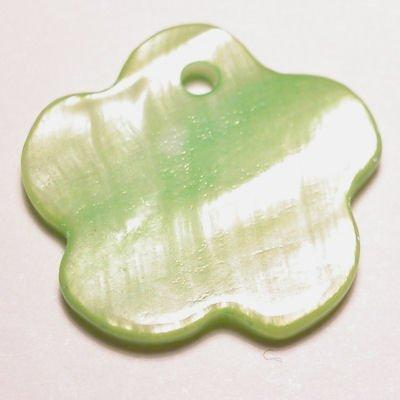 parelmoer hanger bloem groen 18 mm
