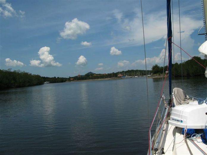 Plavba řekou, Sebana Cove na dohled.
