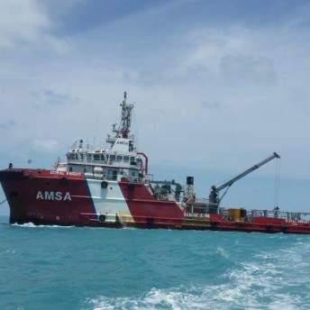 Coral Knight záchranářská a servisní loď