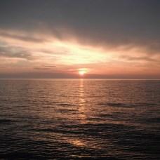 ... a míříme do západu slunce. Cíl Stromboli