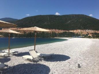 Oblázková pláž Fokianos