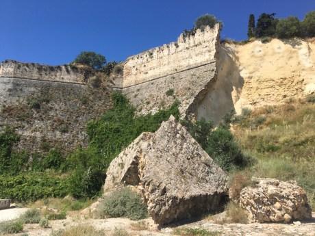Benátská pevnost v koroni poničená zemětřesením
