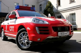 Пожарный Porsche Cayenne S – выпьем, не чокаясь