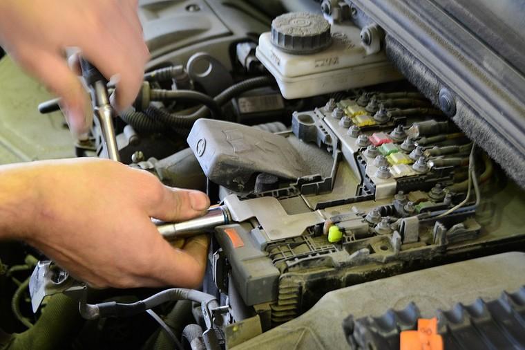 2 4 - Через сколько лет менять аккумулятор в автомобиле