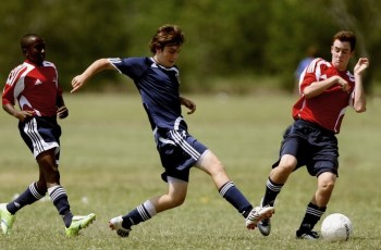 Футбол спасает