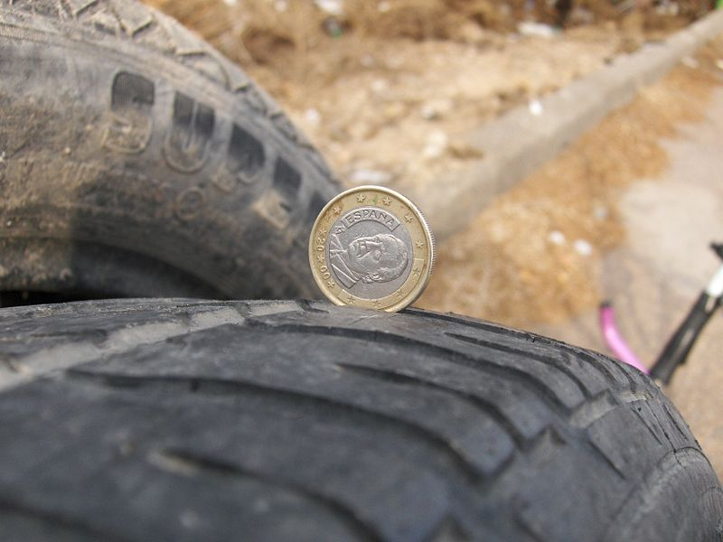 800px-Tire-Euro-Bad