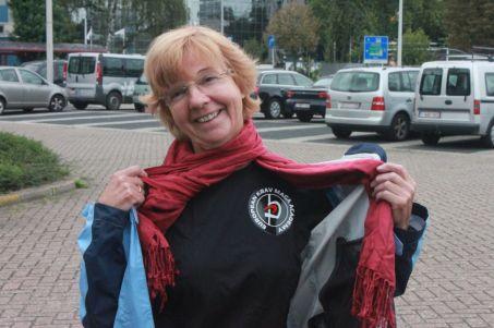 Hilda-Ann met zelfgemaakt runnershirt...