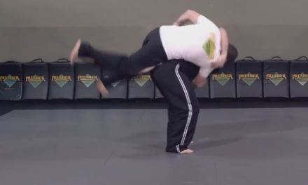 How to perform a hip throw