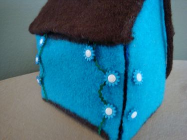 knit felted dollhouse button placement