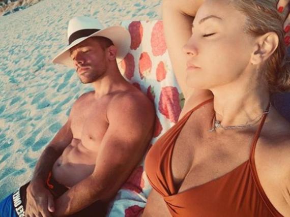 Suprug Gocu Tržan iznenadio skupocjenim ljetovanjem. Hotel i avion koštaju veliku cifru