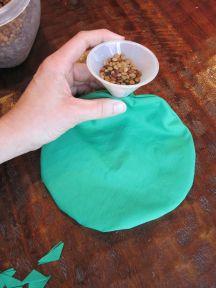 16 fyll vektputen med tørre linser, ris eller erter