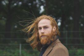 Страховий агент повністю змінив своє життя, тільки відростивши бороду!