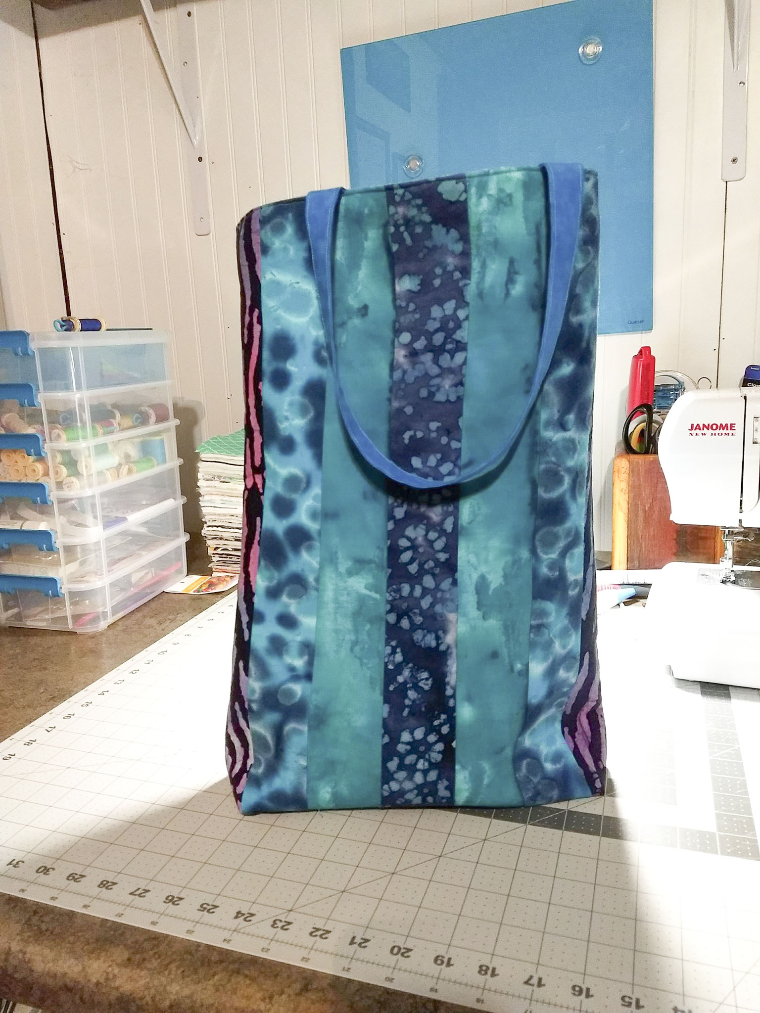 Thin and Tall, casual tote