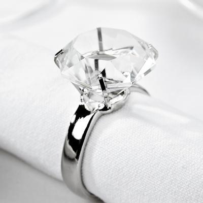 Spona na ubrousek s diamantem z eBay