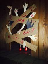 Zombie house z papíru