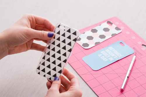 DIY Phone Case Mudah dan Kreatif 4 - DIY Phone Case Kreatif untuk Kamu Yang Bosenan