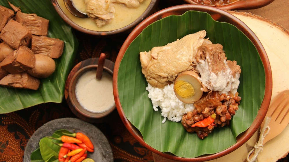 5 Alasan Kenapa Daun Pisang Baik untuk Membungkus Makanan