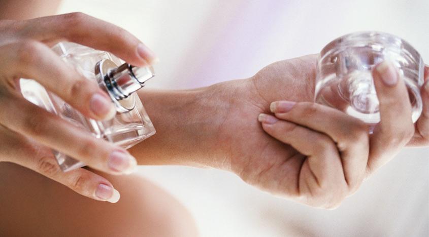 5 Cara Memakai Parfum Ini Bikin Badan Wangi Seharian