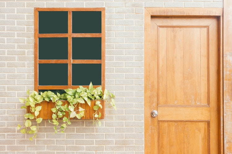 pintu dan jendela rumah