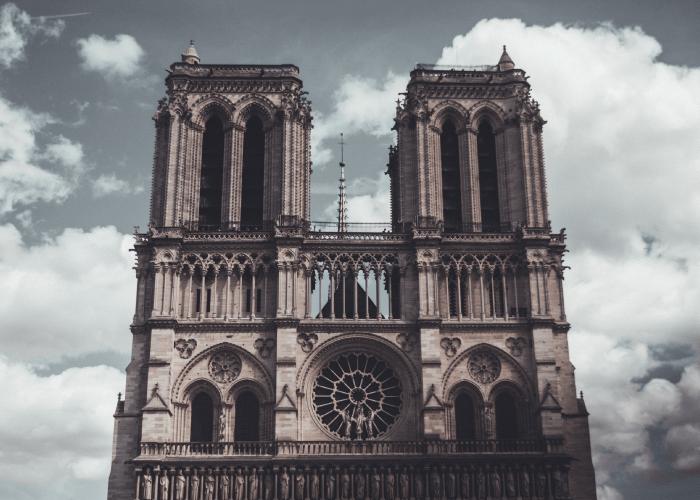 wujud seni gothic dari masa ke masa