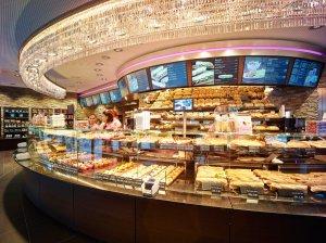 Bachmann bakery shelves