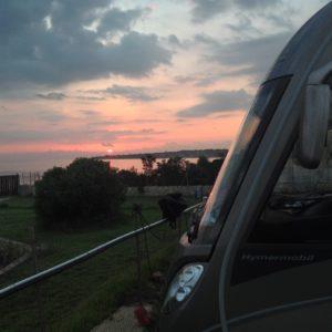 Solnedgång bortåt Malta som bara ligger 90 minuters färjeresa från oss.