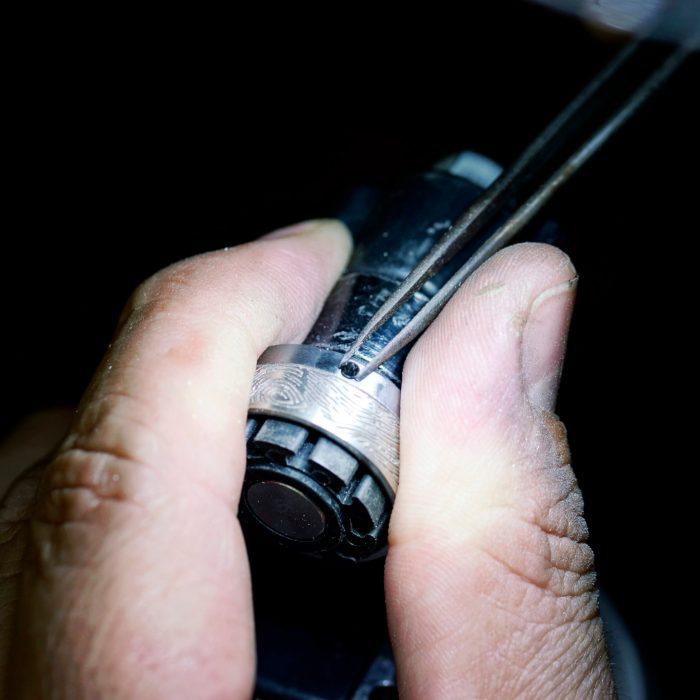 Fertigung Tantal Platin Ring beim Salzburger Juwelierwaren KREMO kreativ modern Juwelier Salzburg Tantal Ringe Tantalum Trauringe sind einfach etwas Besonderes… 04