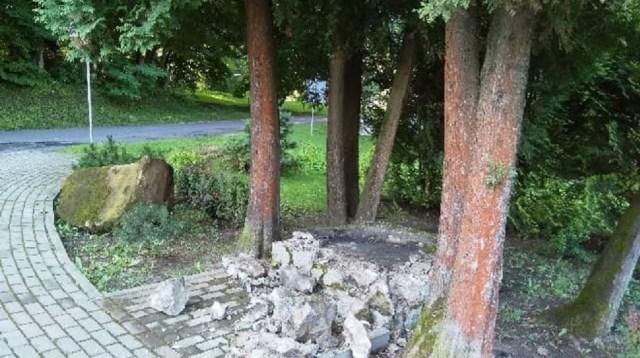 Znalezione obrazy dla zapytania pomnik zolnierzy walczacych z upa w birczy zdjecia
