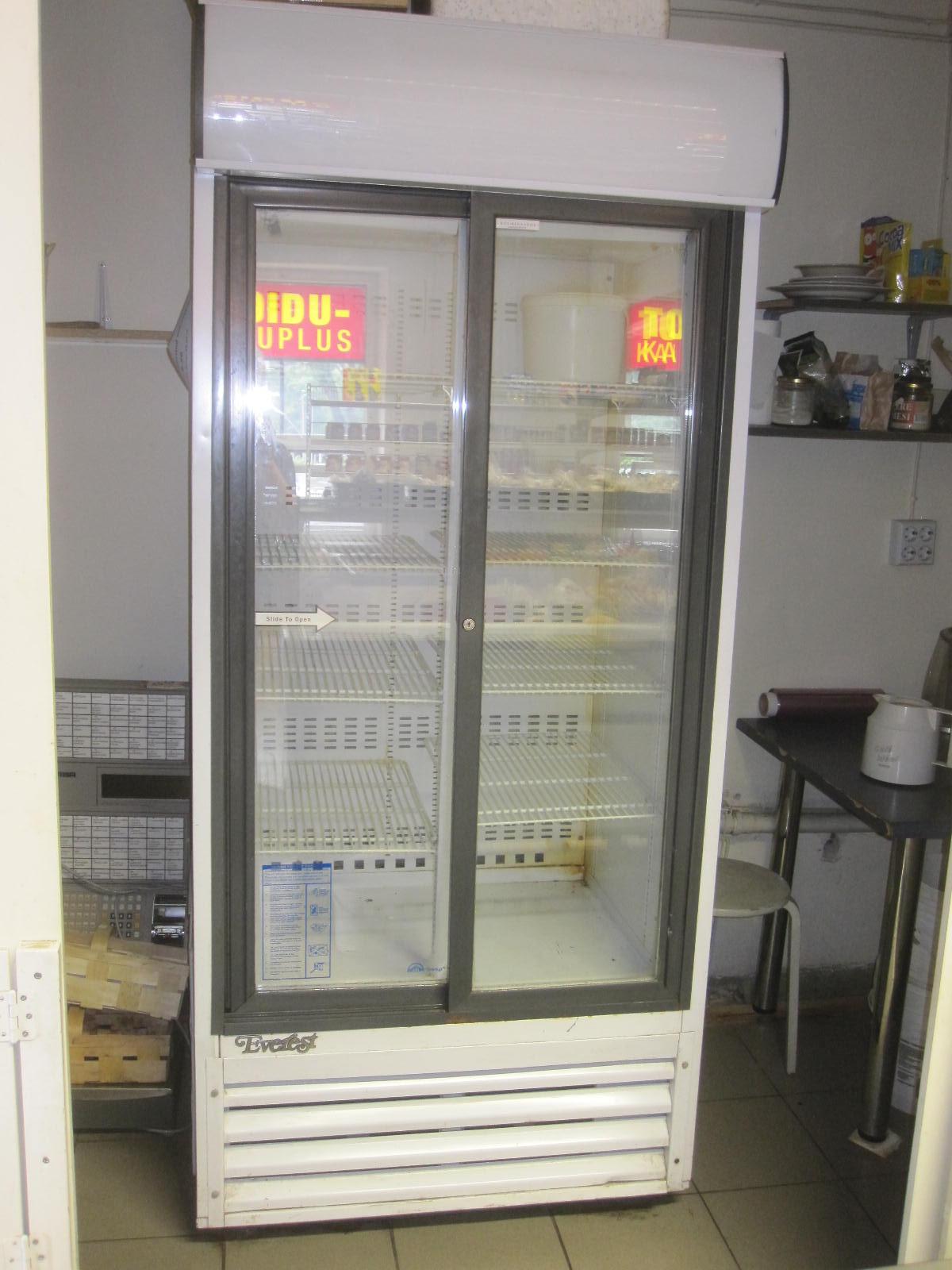 8a099b9d4ac Klaasuksega külmik - Kreutz OÜ - Külmseadmed ja suurköögiseadmed
