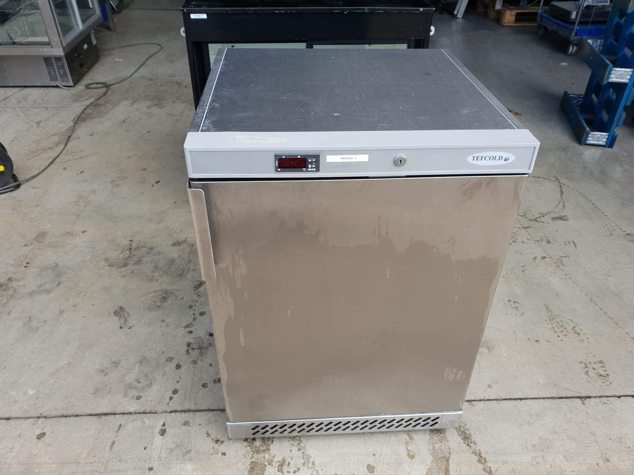 7452c664669 Külmkapp UR200S - Kreutz OÜ - Külmseadmed ja suurköögiseadmed
